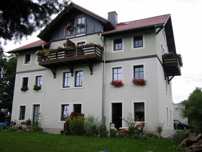 ruhige 2 raum wohnung in liegau augustusbad firstdresden group real estate. Black Bedroom Furniture Sets. Home Design Ideas